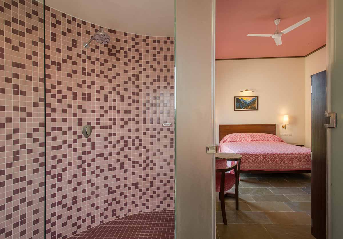 Toilet of Deluxe Duplex suite equipped with modern facilities in Dera Masuda, Pushkar, Ajmer, Rajasthan